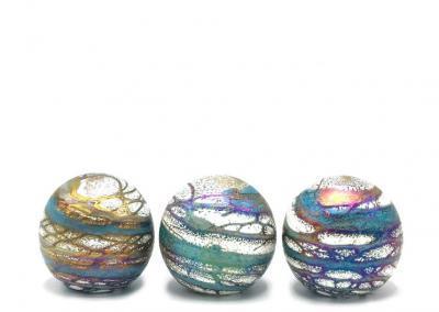Urnen uit de Elan line, in meerdere maten en kleuren verkrijgbaar