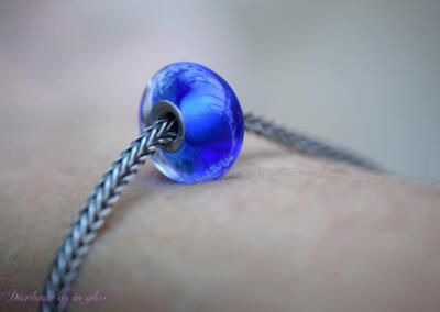 crematie as transparante glas bedel kobalt blauw (excl. armband) 69,95